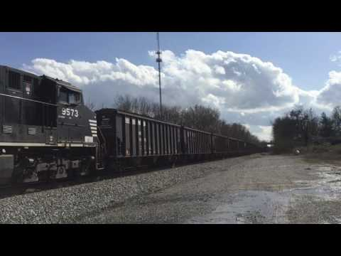 4 trains in 20 minutes in Georgetown, Ky