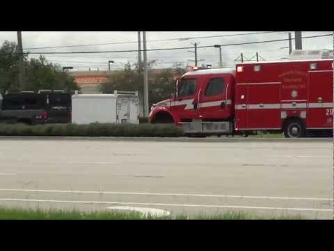 PALM BEACH FIRE RESCUE PARAMEDICS UNIT 29 COMMING LIGHTS AND SIRE I SAW IN WEST PALM BEACH