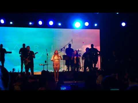 Karina en vivo parte 3 en el Forum Santiago Del Estero 2017