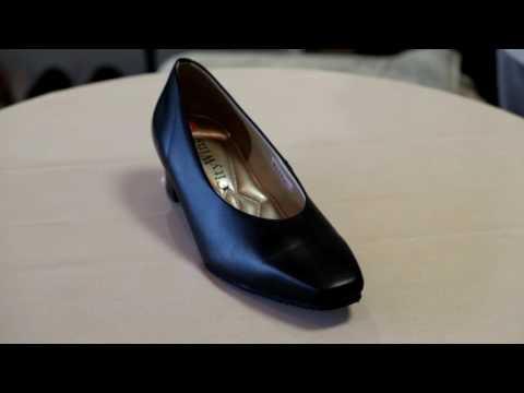 靴 パンプス はきやすい 疲れない 4E 磐田