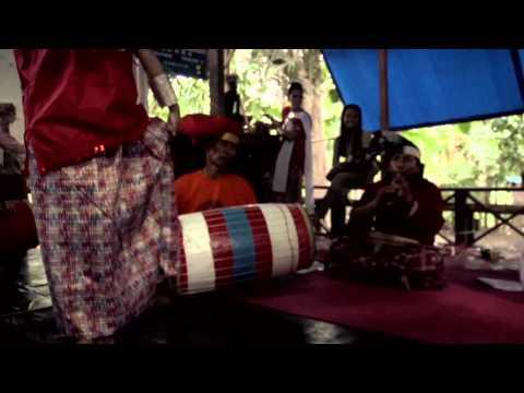 Paddupa is a traditional dance culture from Indonesian Bugis makassar