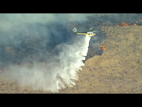 Stichiz - Easy Fire Burns Nearly 1,500 Acres in Simi Valley, California