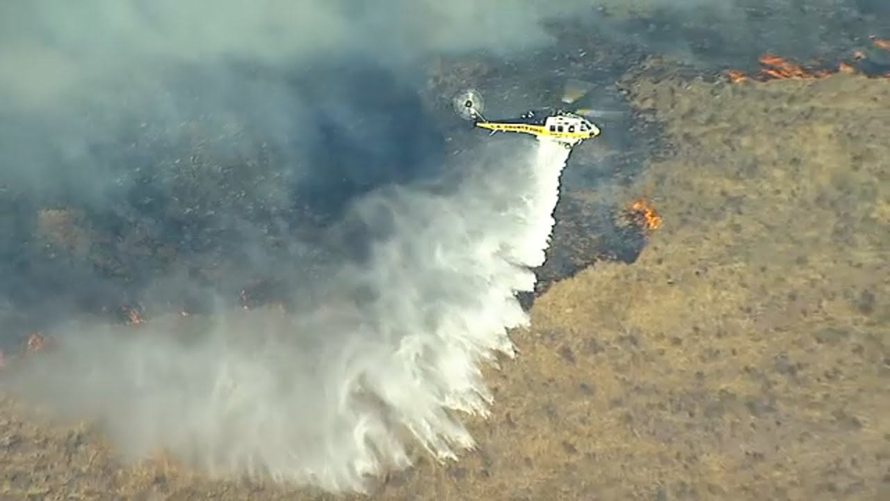 LIVE: Easy Fire erupts on Simi Valley hillside near Ronald Reagan Library I ABC7
