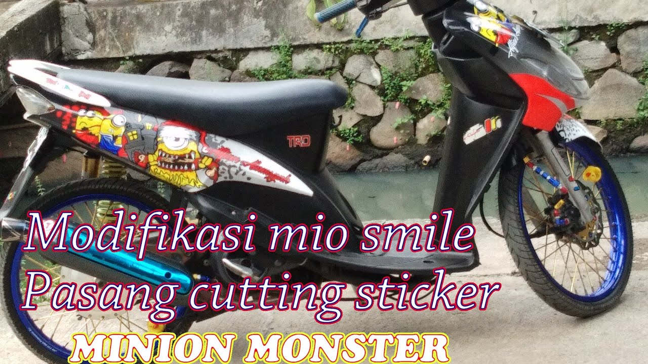 Cutting decal mio smile minion monster