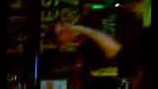 Bones' karaoke