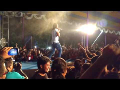 Jabra Fan Ho Gaya (Nakash Aziz Live)
