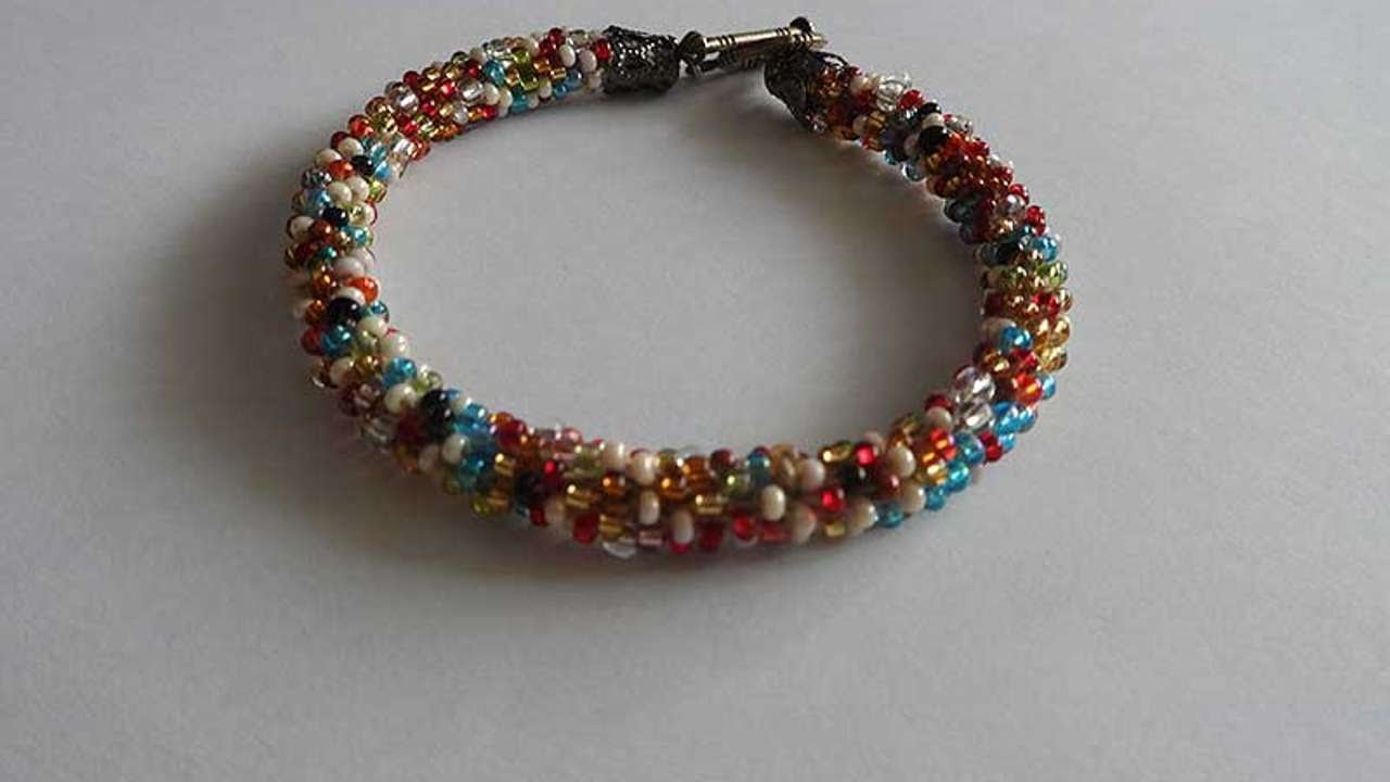 How To Crochet Bright Bead Bracelet Diy Crafts Tutorial Guidecentral