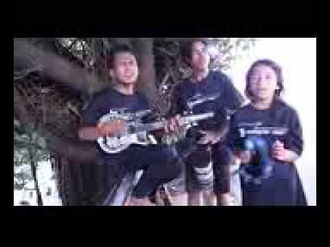 andika.com  pengamen jalanan asik banget bawakan lagu merana