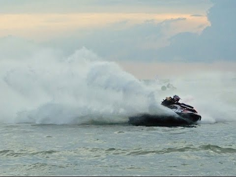BOTTI et FILS « JET-SKI TEAM » THAILAND KING'S CUP 2014 ADDE christophe HD1O80