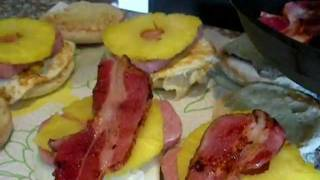 Hawaiian Breakfast Sandwich - Hawaii Style Breakfast Sandwich With Spam, Bacon And Pineapple