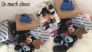 Unboxing my new shoes || All my shoes i got for christmas !! Baby Maya