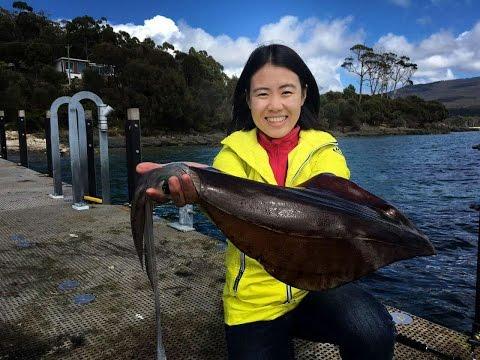 第16集:海边栈桥钓获大鱿鱼,铁板烧制味道好 Squid Catch And Cook In Tasmania ,Australia