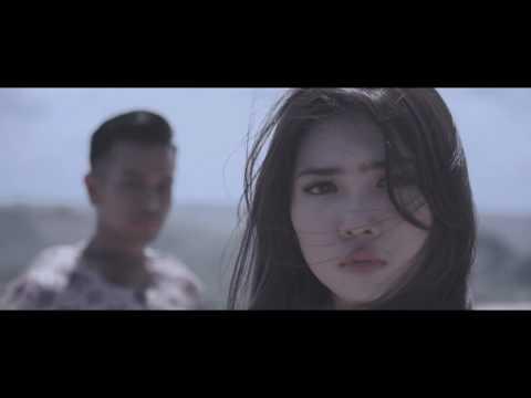 Risau - Melly Goeslaw (Raisa - Isyana - Maudy MV Version)