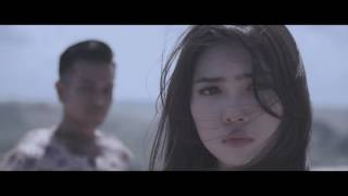 Video Risau - Melly Goeslaw (Raisa - Isyana - Maudy MV Version) download MP3, 3GP, MP4, WEBM, AVI, FLV Juli 2018