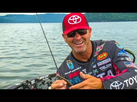 BIG Worms = BIG Bass Summer Ledge Fishing - Gerald Swindle