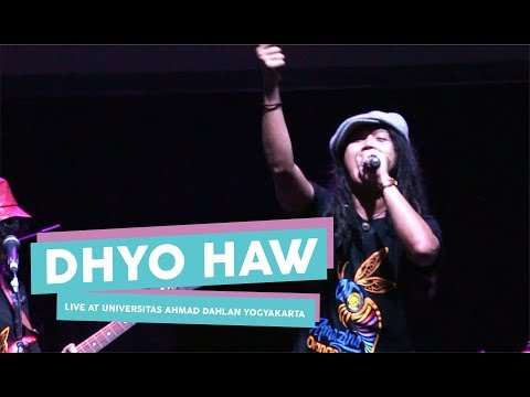 [HD] Dhyo Haw - Ada Aku Disini (Live at Universitas Ahmad Dahlan Yogyakarta)