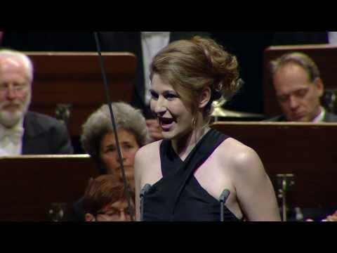 "NEUE STIMMEN 2013 - Semifinal: Nicole Car sings ""O Dieu! Que de bijoux"", Faust, Gounod"