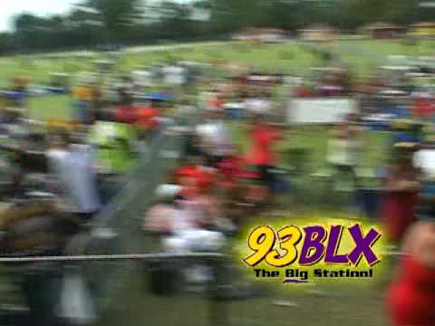 93BLX FROM THE BLOCK HOT BOY TAKES ON 2 CHICS @ ONE TIME