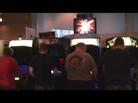 CAX 2017 People playing Dragon's Lair II on the New Merlin-Dx System