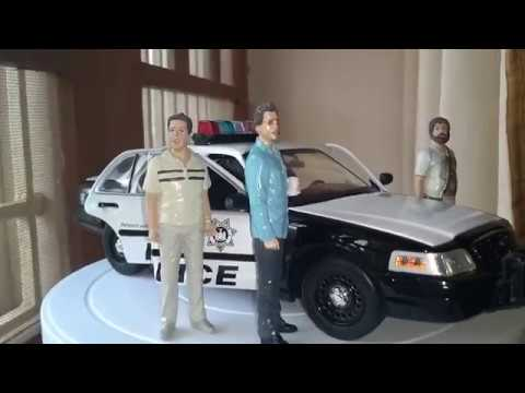 """1:18 Ford Crown Victoria Police Interceptor Review From """"THE HANGOVER"""" Movie"""