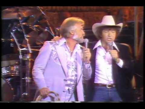 Kenny Rogers & Mac Davis - Hard To Be Humble LIVE