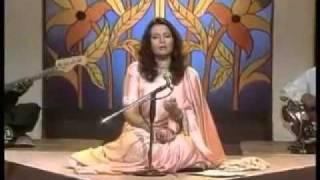 Shaista Alam  Sings Parveen Shakir's Gulab Hath Me Ho