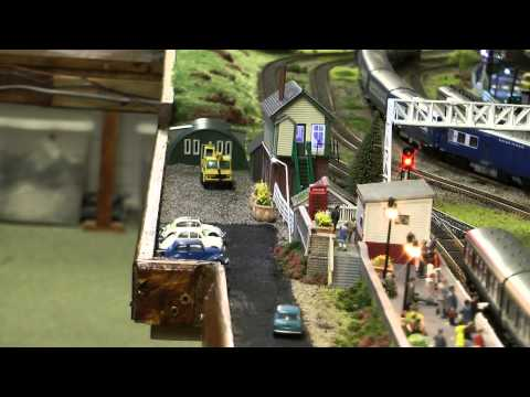 Dave`s Model Railway adding lights to buildings and cars