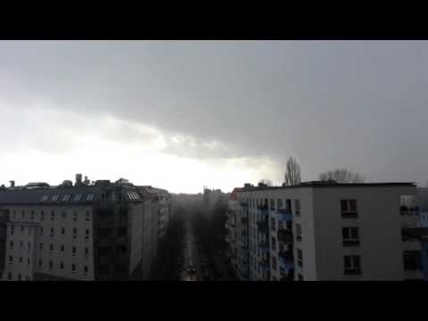 Scary Sounds over Berlin Germany - Himmelstrompeten ?