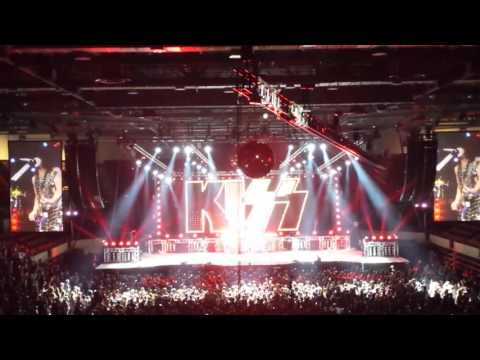 KISS Concert LaCrosse WI Opening Song August 2016