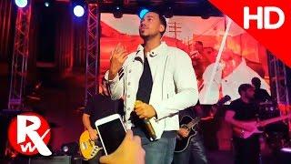 Romeo Santos - Héroe Favorito En Vivo/Live (Su Nuevo Éxito) HD