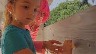 Muca e Ameli Costruiscono Casa per Bambini! (Ep.11)