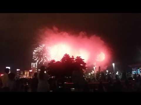 Fireworks in hongkong admiralty 1 Oct 2016(1)