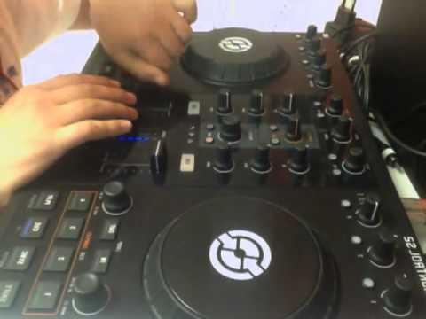 DJ StYiLiSh mixing popular songs