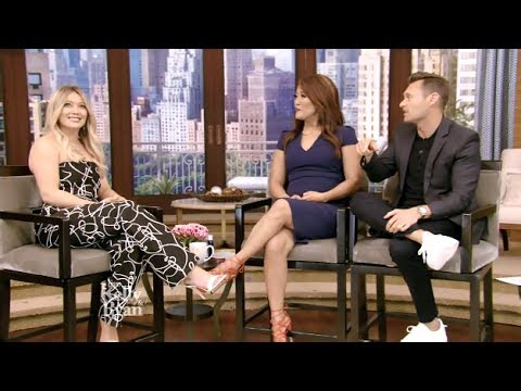 "Hilary Duff - Chats ""Younger"" & The Pic That Broke The Internet - Kelly & Ryan"