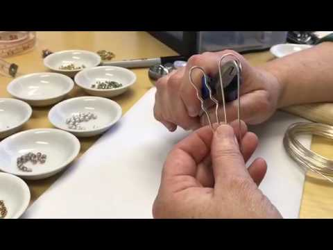 Free Tip Friday Hairpins with wire and beads
