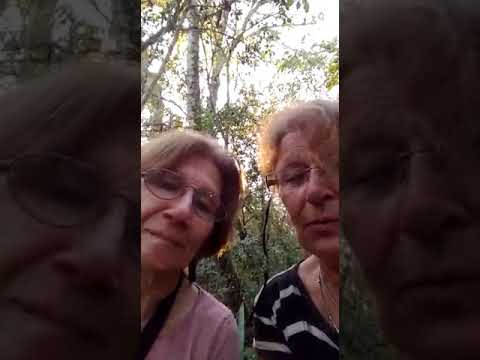 El desternillante vídeo de dos sexagenarias pidiendo auxilio tras perderse en un bosque