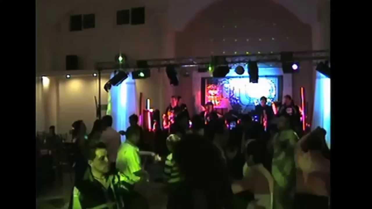 Grupo musical versatil la gente hermanos pelcastre bodas for Blanca romero grupo musical