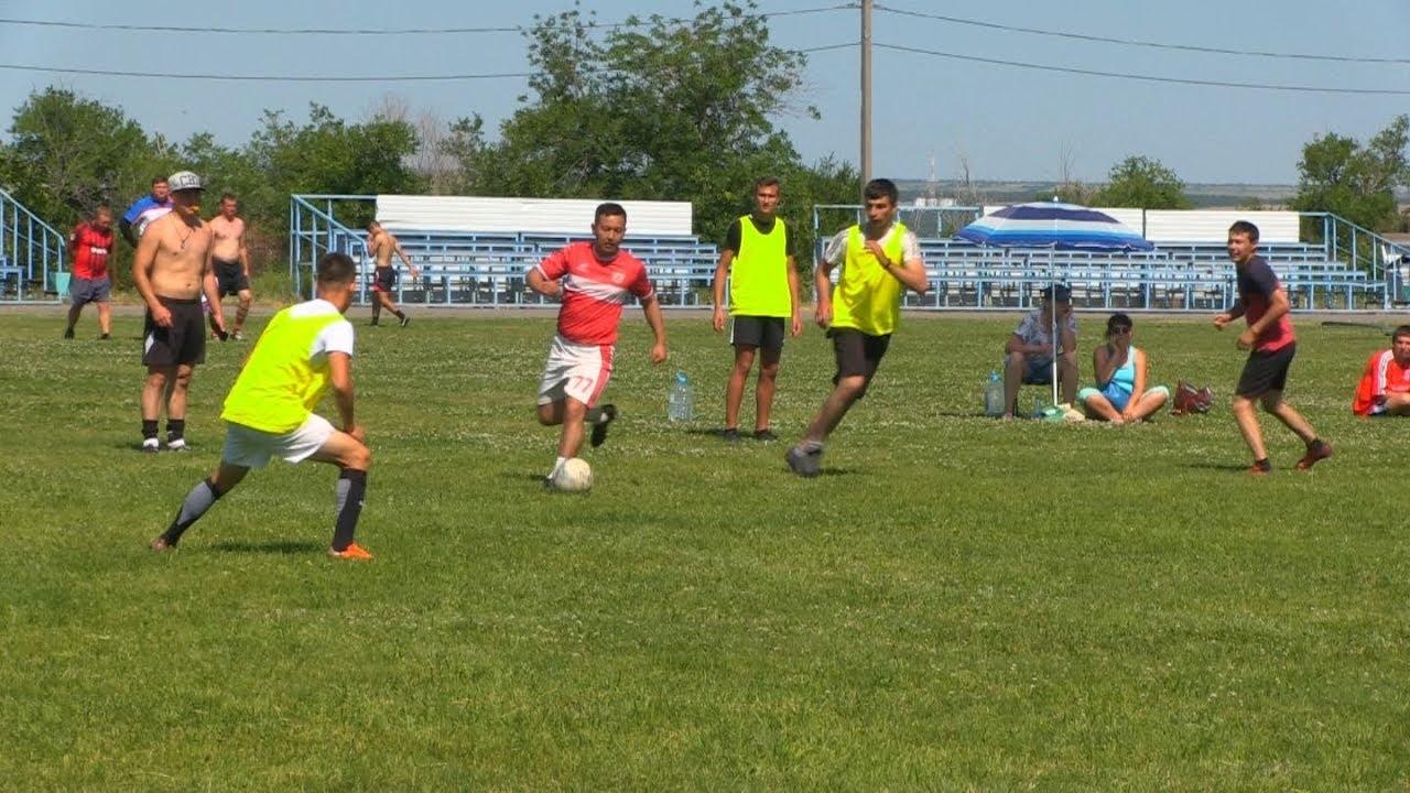 Соревнования по футболу в Быково