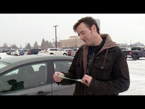 Ont. man receives $52 fine for unlocked car door in Que.