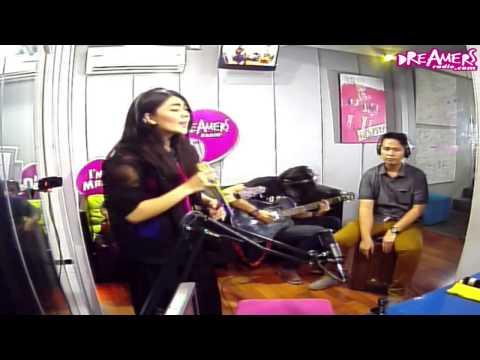 Fridaykustik With Indah Dewi Pertiwi - Meninggalkanmu