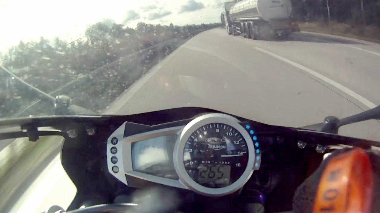Daytona 675 Topspeed at Autobahn - YouTube