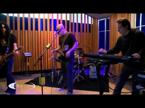 Infected Mushroom Live at KCRW : The Pretender (Foo Fighters Cover)