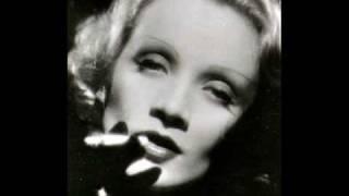 Marlene Dietrich - Lili Marlene (Deutsch Live)