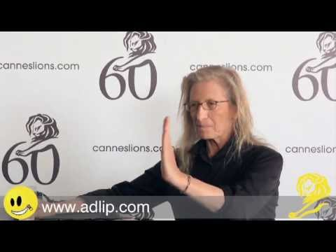 Annie Leibovitz discusses the Famous Rolling Stone cover of John Lennon and Yoko Ono...