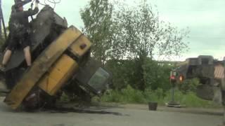 Авария 22 июня 2013 лесосибирск перевернулся трактор