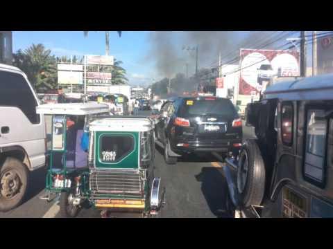 Nasusunog na Kotse sa san pablo city,laguna 3-7-2017 4:25 pm