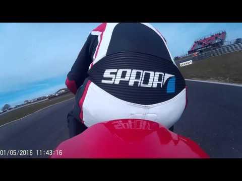 Last Lap Onboard footage. Race 1 TSGB Supertwins/Superstock at Snetterton