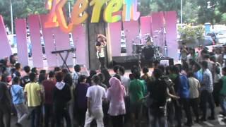 RORO FITRIA (LIVE KEREN TVRI)