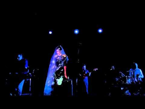 Madame Ur y sus Hombres. 'Grandiosa' live 2011.