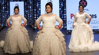 Bharti Singh turns the ramp on fire as she walks for Ashish and Shefali at PTFW 2018